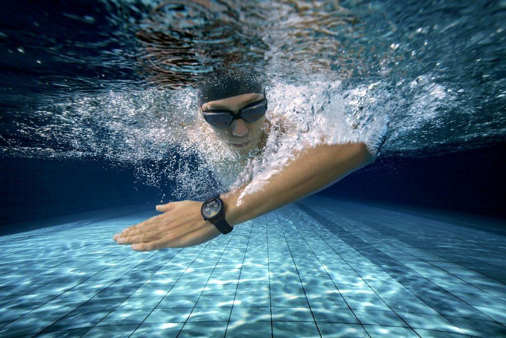 lifestyle shot_swim Watch3 huawei